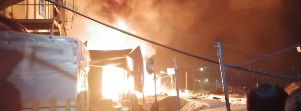 brandende tenten in Moria